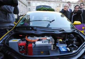 Audi A2 Electric Car's Motor and Battery